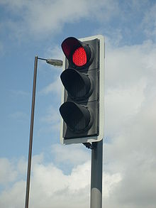 220px-Modern_British_LED_Traffic_Light